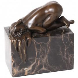 Statue érotique en bronze femme nue soumise à genoux - 14 cm