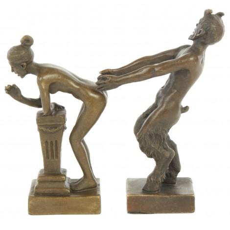 Statue érotique en bronze femme nue et faune - 10 cm