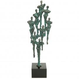Statue patine bronze vert moderne et design huit personnages - 39 cm