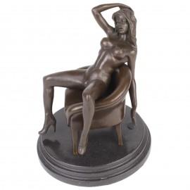 Statue érotique en bronze et marbre femme nue main dans les cheveux - 21 cm
