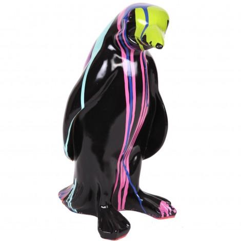 Statue en résine pingouin multicolore fond noir - 40 cm