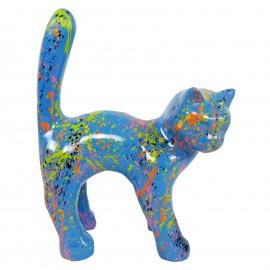 Statue chat en résine queue droite multicolore fond bleu 35 cm